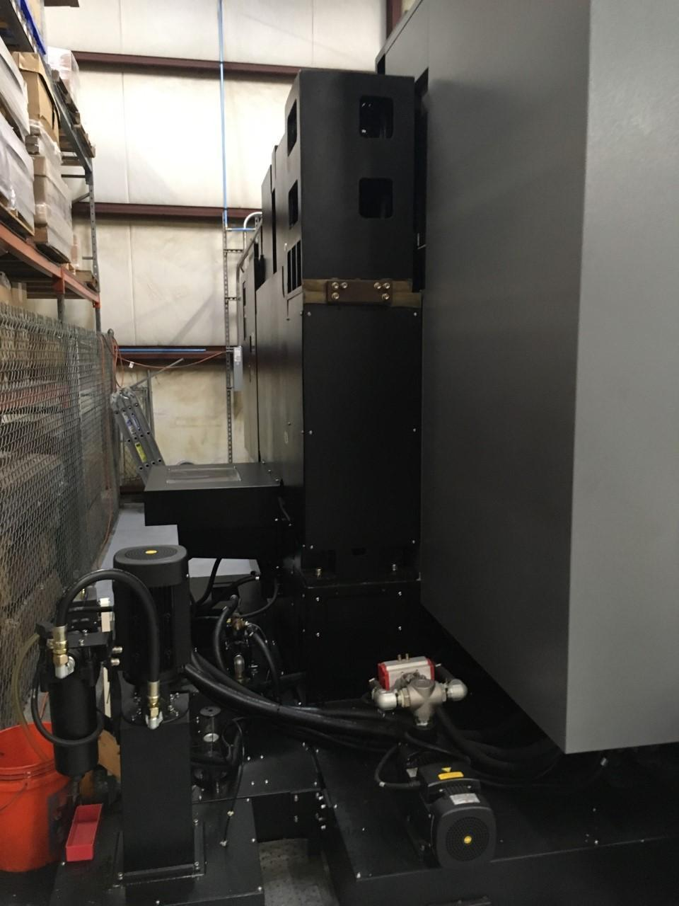 HURCO VMX-84 VERTICAL MACHINING CENTER