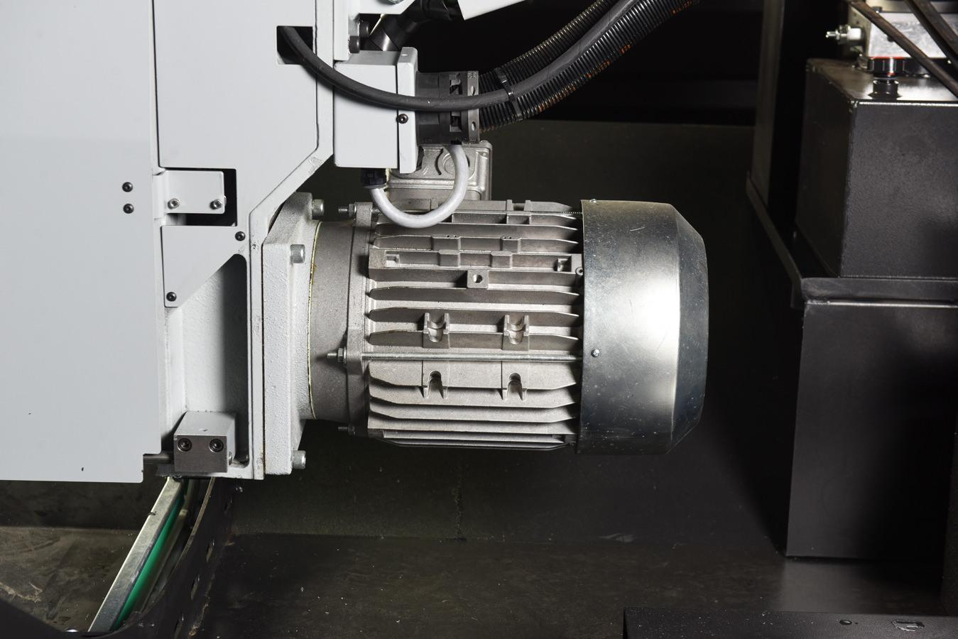"NEW - 25""H x 20""W HYD-MECH V-20 VERTICAL TILT FRAME BAND SAW"