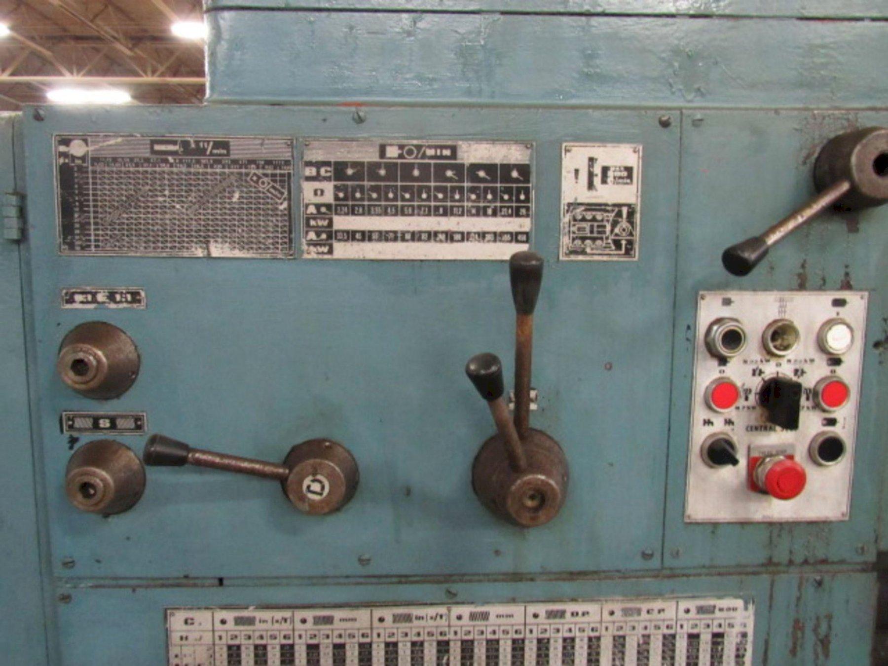 "30"" X 220"" TOS MODEL #SU100 HEAVY DUTY ENGINE LATHE. STOCK # 0848121"