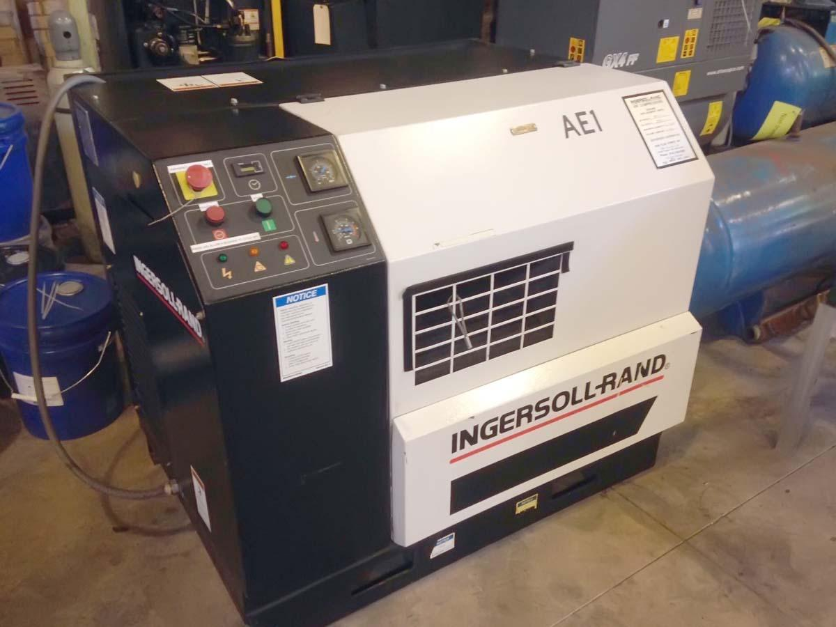 20 Hp Ingersoll-Rand Rotary Screw air compressor