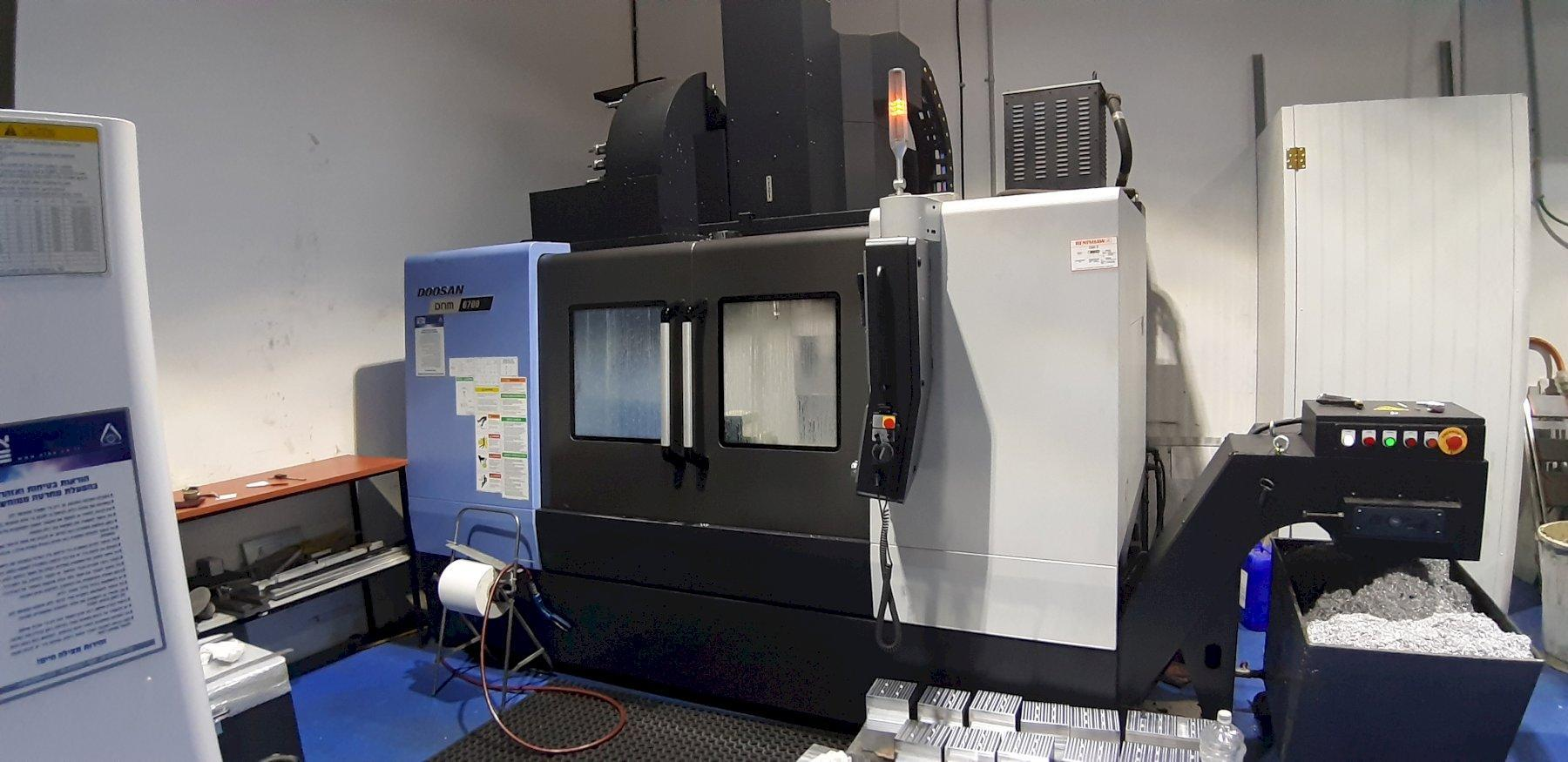 2017 Doosan DNM 6700 - Vertical Machining Center