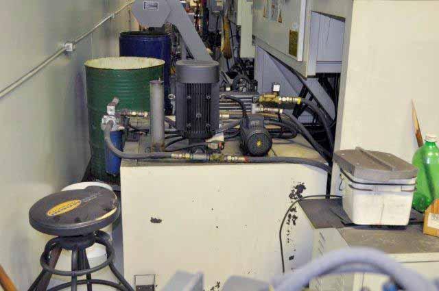 Hurco VTC40 CNC Vertical Machining Center