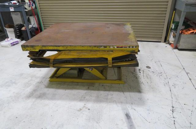 American Lifts Table, 3000 lb Capacity