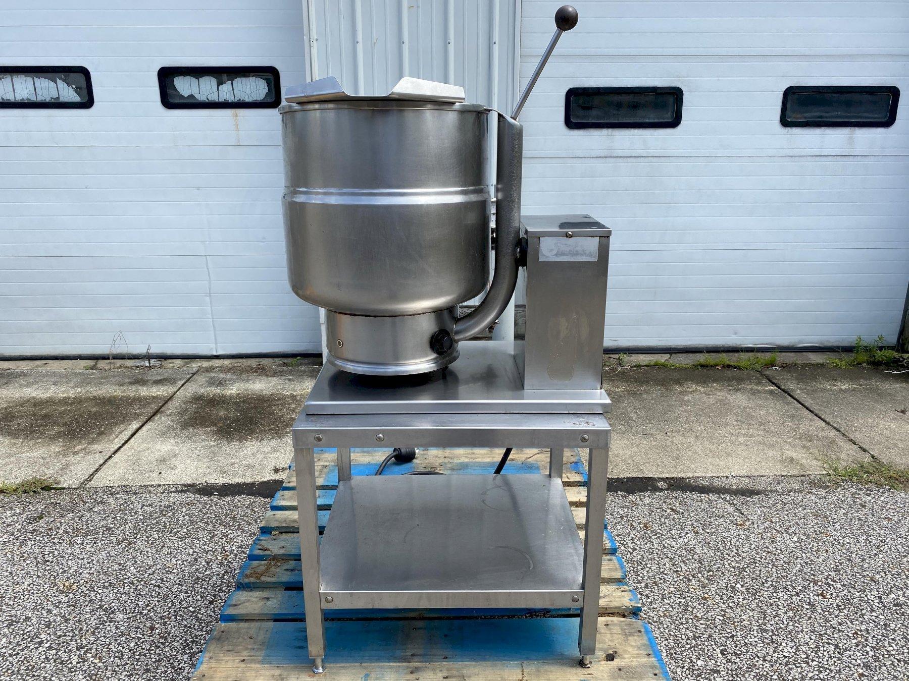 Groen TDB-24 6-Gallon 2/3-Jacketed Tilting Steam Kettle