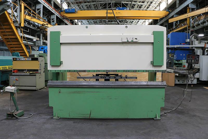150 ton x 10' LVD Hydraulic Press Brake, Model 150JS10, DynaBend 1 BackGauge, 8'2