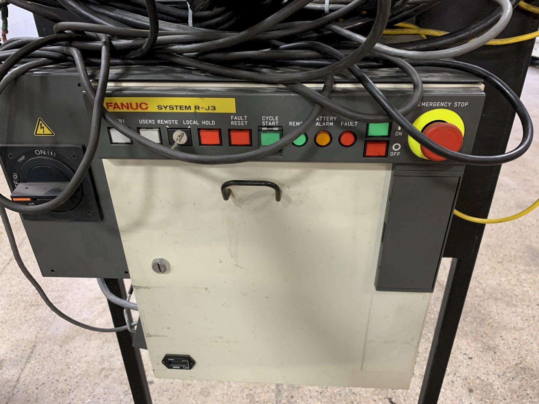 Fanuc ARC Mate 100i Robot with System R-J3 and Teach Pendant