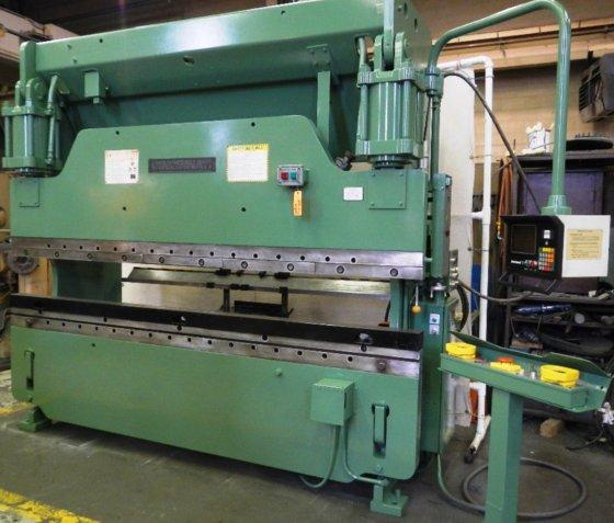 "135 TON CINCINNATI 135CBX8 HYDRAULIC BRAKE, 10' OA, 102""BH, 8"" STROKE, 15"" OPEN, 7"" THROAT, HURCO 7 2-AXIS, TOOLING, 1995 (10356)"