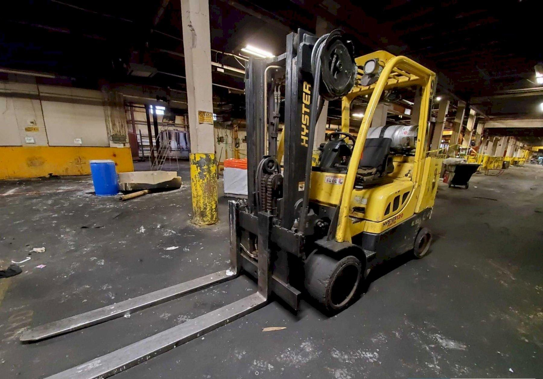 12,000 LBS HYSTER MODEL S120FTPRS LP GAS FORKLIFT: STOCK #14175