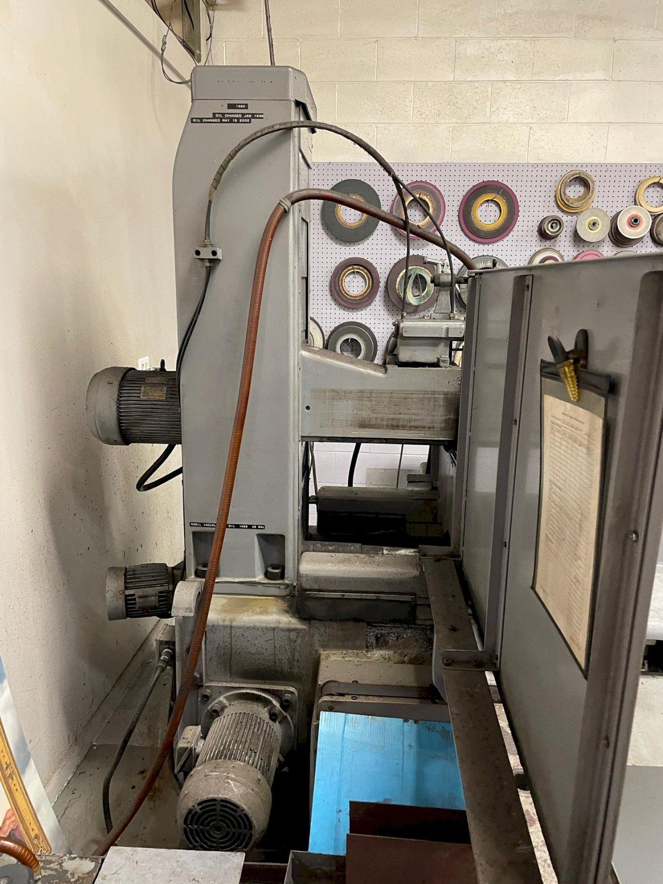 Okamoto 1632n Hydraulic Surface Grinder