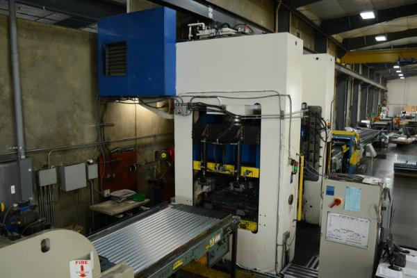 USED MACRODYNE 1,500 TON HYDRAULIC 4 COLUMN PRESS, 2004, STK# 10592