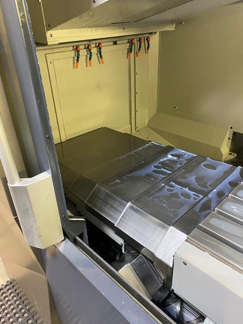 Makino PS95  Vertical Machining Center (2016)