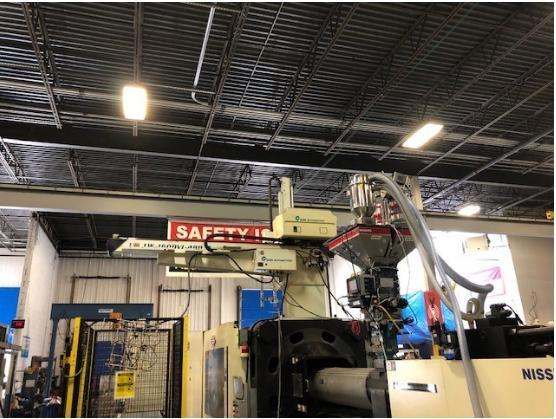 Star LW1600VI-480 Used Servo Robot, Yr. 2011, 500 to 1000 ton IMM