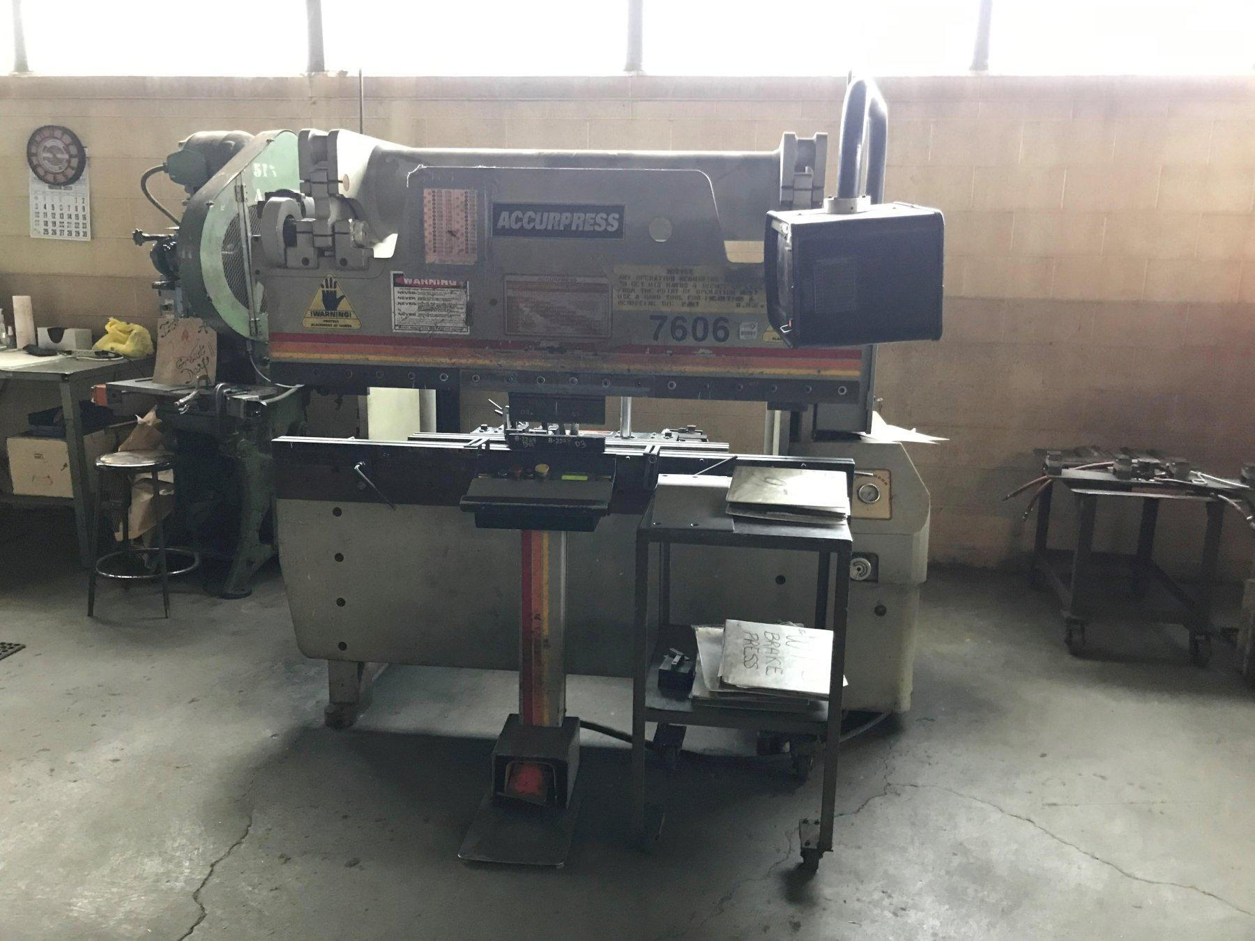 Accurpress 60 Ton x 6' 7606 CNC Hydraulic Press Brake