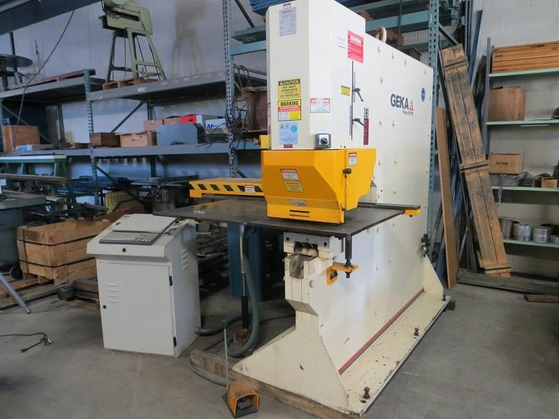 120 Ton Geka Hydraulic Single End Punch w/ CNC X-Y Positioning Table Model PUMA 110 H30 Semi PAXY