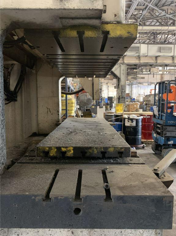 275 Ton Komatsu OBW 250-2 Gap Frame Double Crank Press