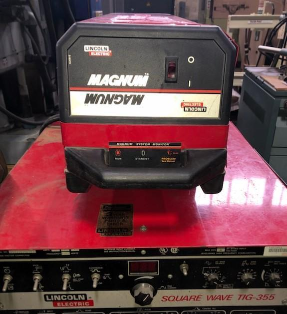 LINCOLN ELECTRIC SQUARE WAVE 355 TIG WELDER, 400 AMP, Switch between two modes Stick & Tig, Foot Pedal, Gas Regulator, Wire Leads Included.