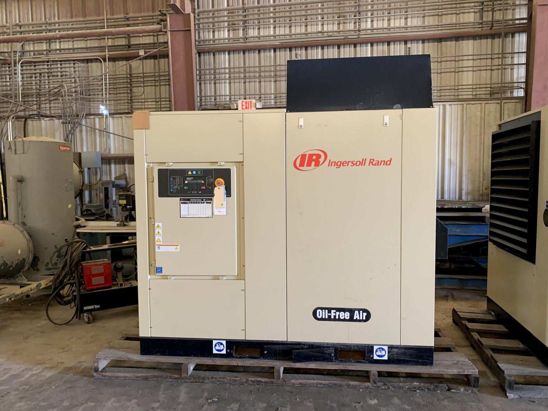 NEVER USED, 2016 INGERSOLL-RAND 3PH ELECTRICAL AIR COMPRESSOR