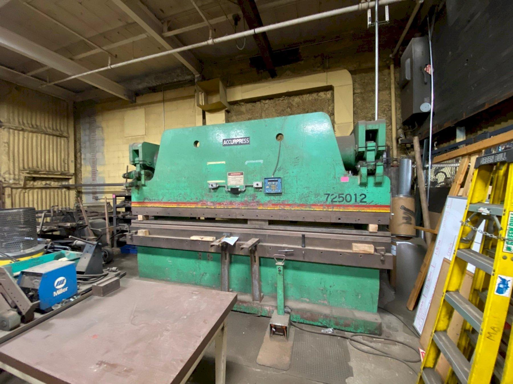 250 TON x 12' ACCURPRESS MODEL #725012 HYDRAULIC PRESS BRAKE WITH AUTOMEC CNC BACK GAUGE: STOCK #13182