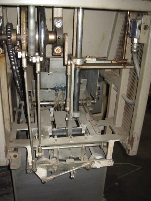 AE Randles Model 10-18 Tray & Carton Forming Machine