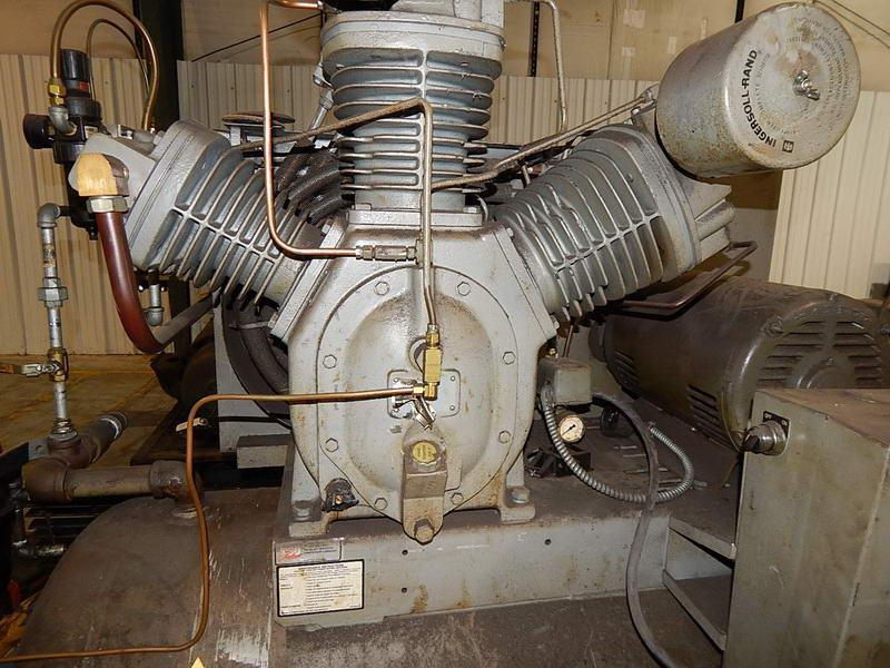 25 HP Ingersoll Rand 2 Stage Piston Type Air Compressor