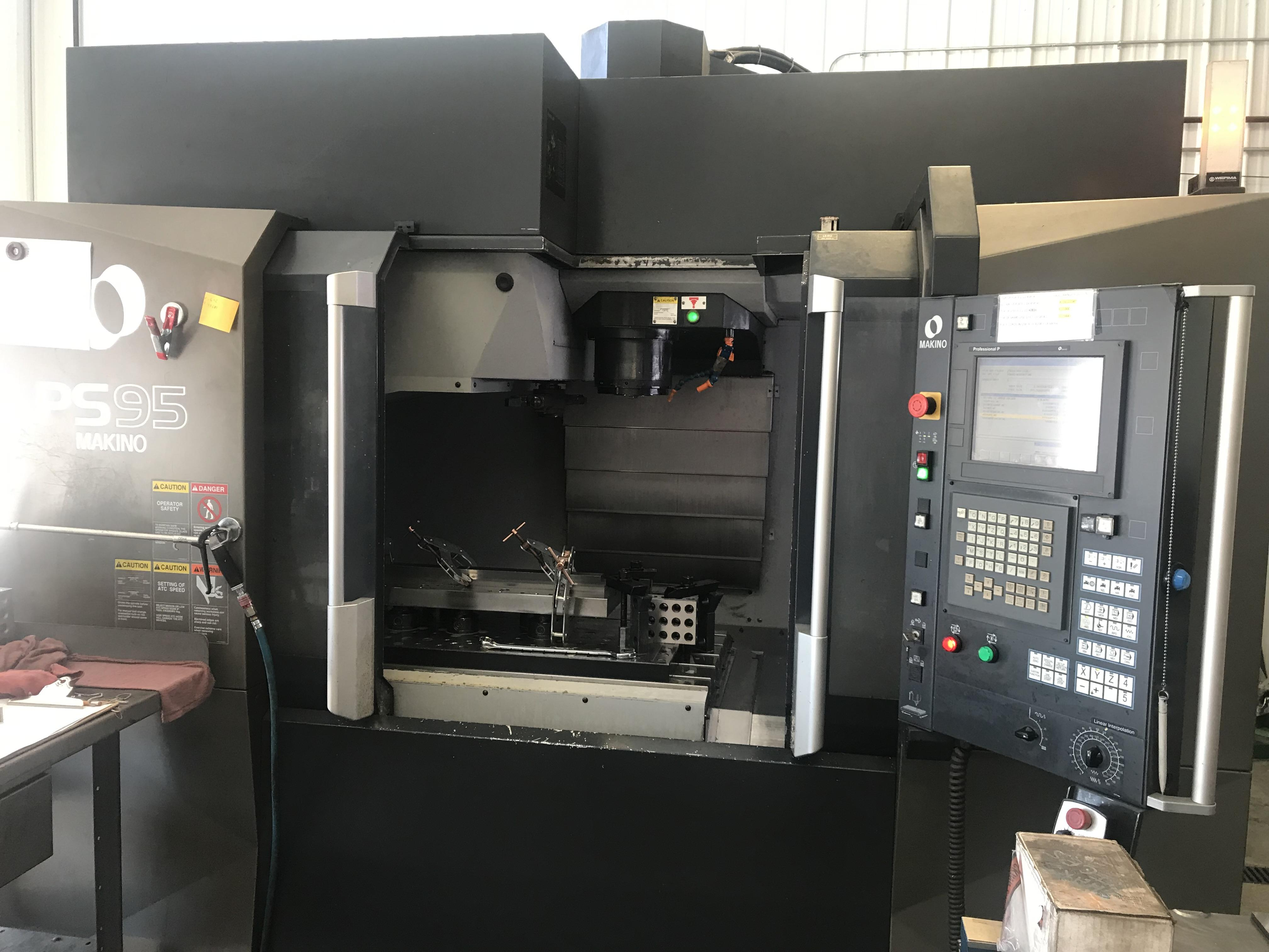 Makino PS95 CNC Vertical Machining Center, Fanuc Pro P Control, 36