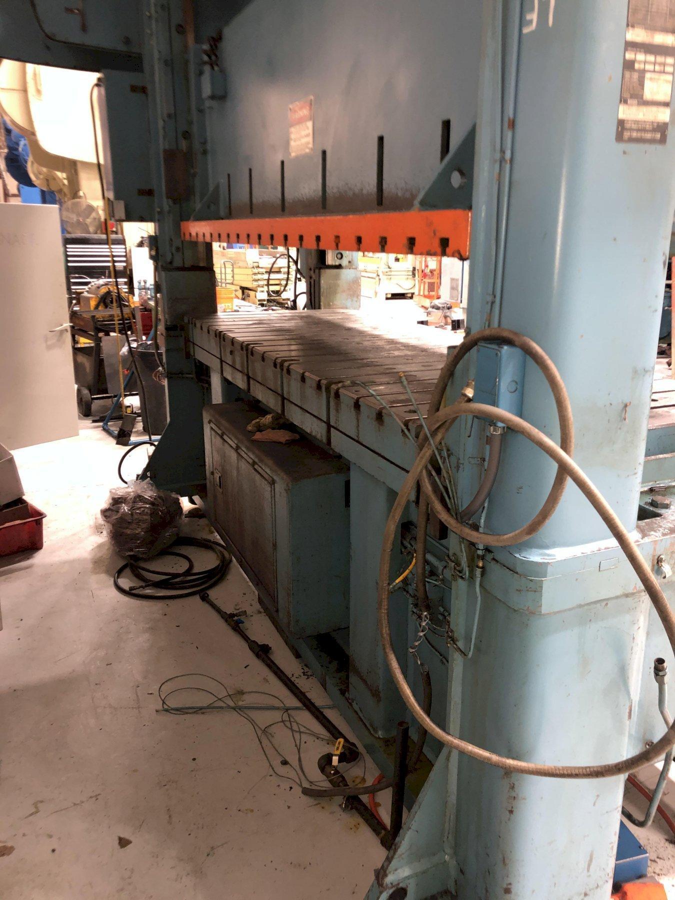 200 ton Niagara SC2-200-120-42 Straight Side Press