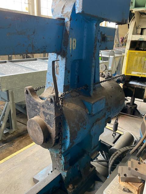400 Ton x 12' Niles Hydraulic Horizontal Wheel Press