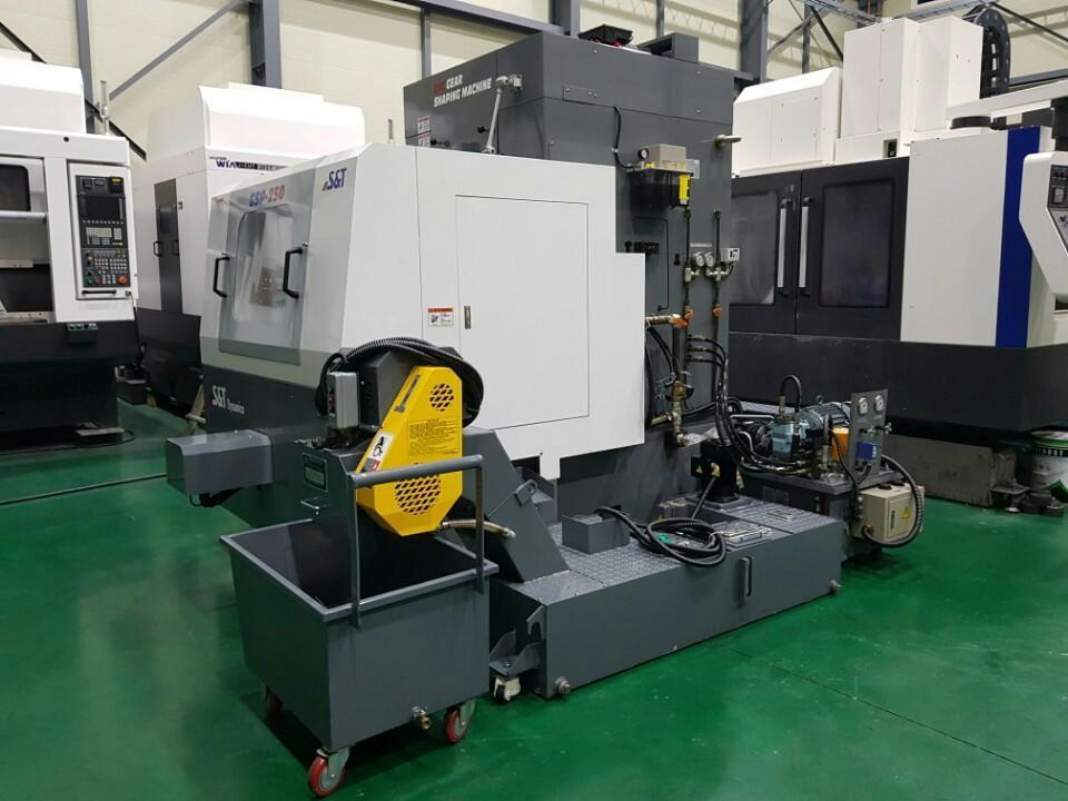 CNC GEAR SHAPING M/C