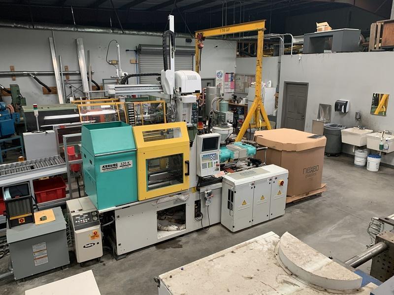 Arburg Used 320K700-250 Injection Molding Machine, 77 US ton, Yr. 2005, 6.1 oz.