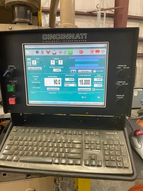 1996 Cincinnati 90FM-II, 12' x 90 Ton CNC Hydraulic Press Brake