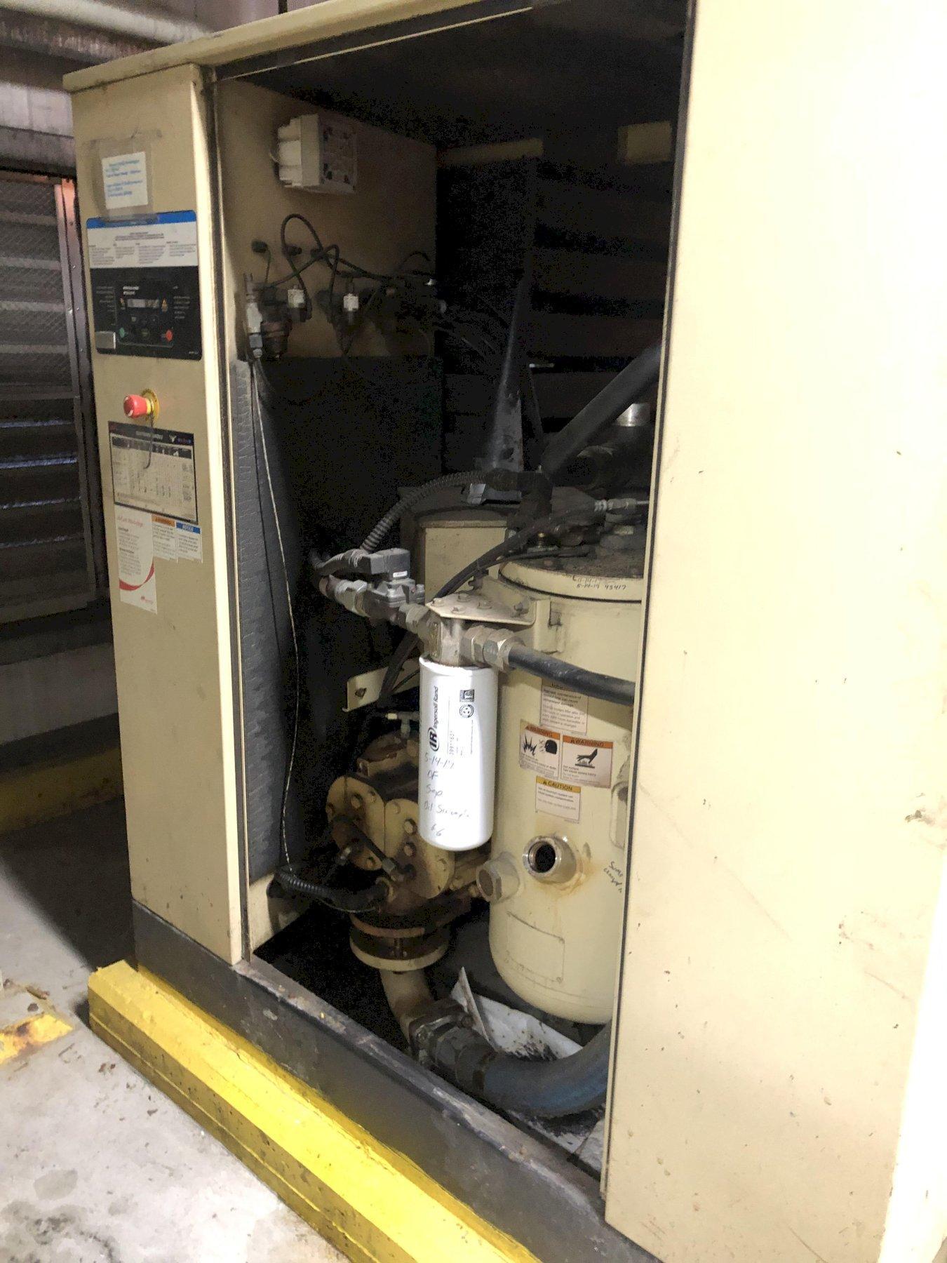 2008 Ingersol Rand model ssr-xf75 screw type air compressor s/n ck8180u08169, digital readout