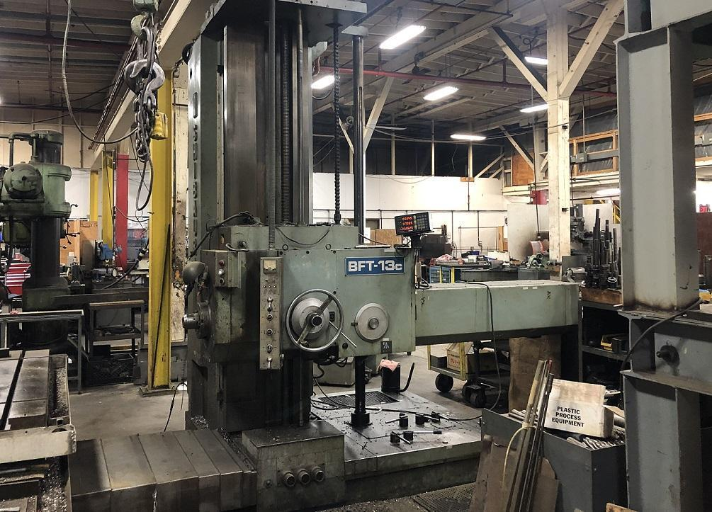 """5"""" Toshiba manual boring bar, 63 x 71 rotary table, 3 axis sony digital readout, tooling, 50 taper"""