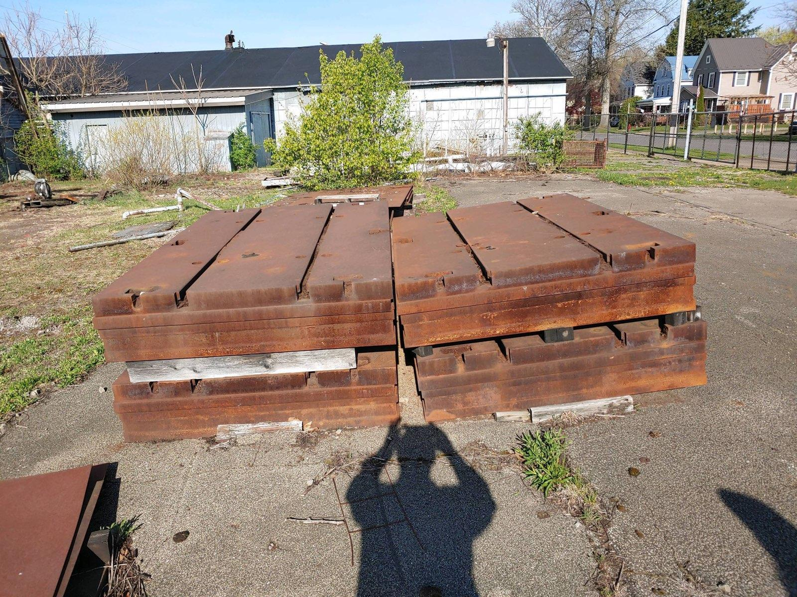 """60"""" X 90"""" X 14"""" T-SLOTTED FLOOR PLATE. STOCK # 0632421"""