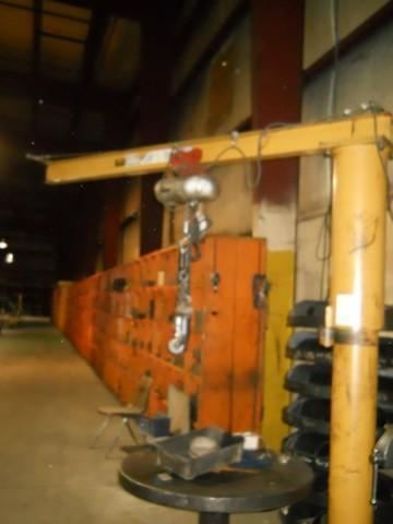 1/2 TON CONTREX FREE STANDING JIB CRANE WITH 1/2 TON CM ELECTRIC HOIST: STOCK #14241