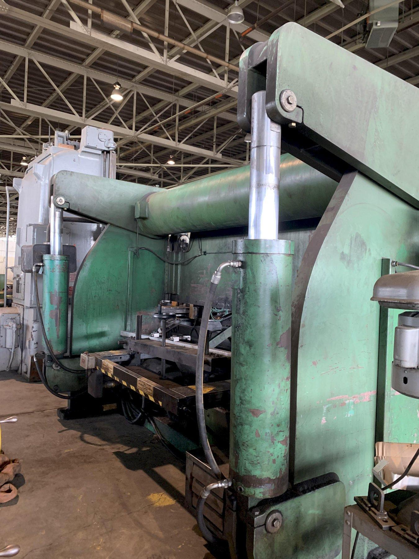 400 Ton x 12' Accurpress Model #740012 Hydraulic Press Brake