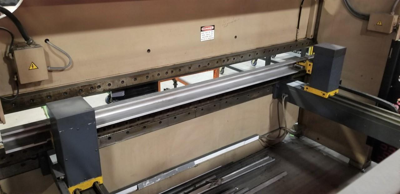 1995 Cincinnati 90FM-II, 12' x 90 Ton CNC Hydraulic Press Brake
