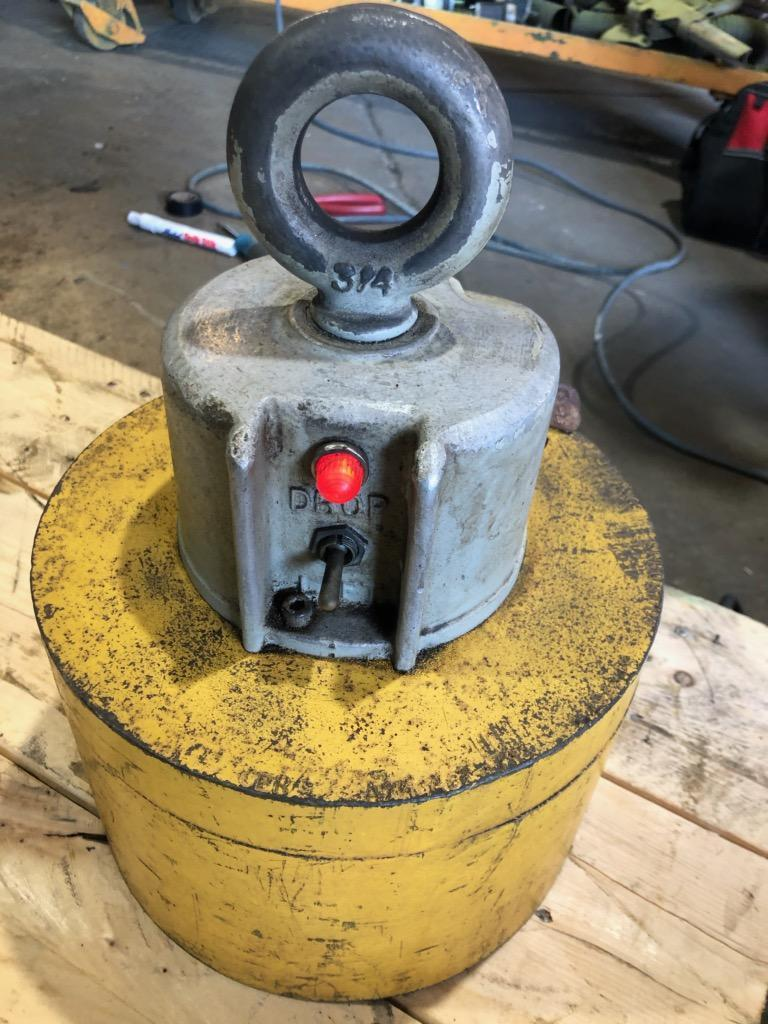 2,400 lbs BUX Circular Electric Lifting Magnets