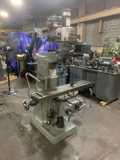 BRIDGEPORT SERIES I VERTICAL MILL   Our stock number: 115007