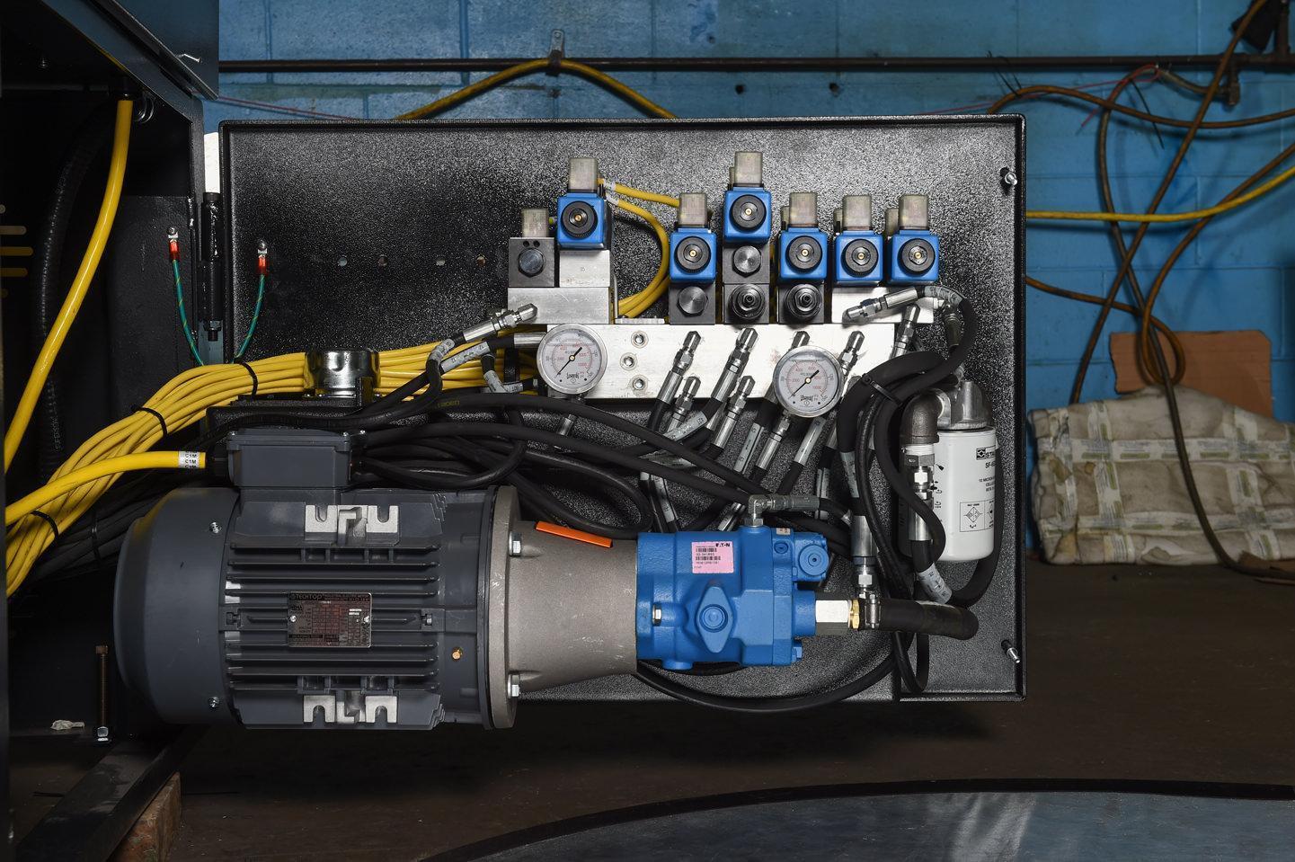 "NEW - 30""H x 25""W HYD-MECH V-25 SEMI-AUTOMATIC VERTICAL TILT FRAME BAND SAW"