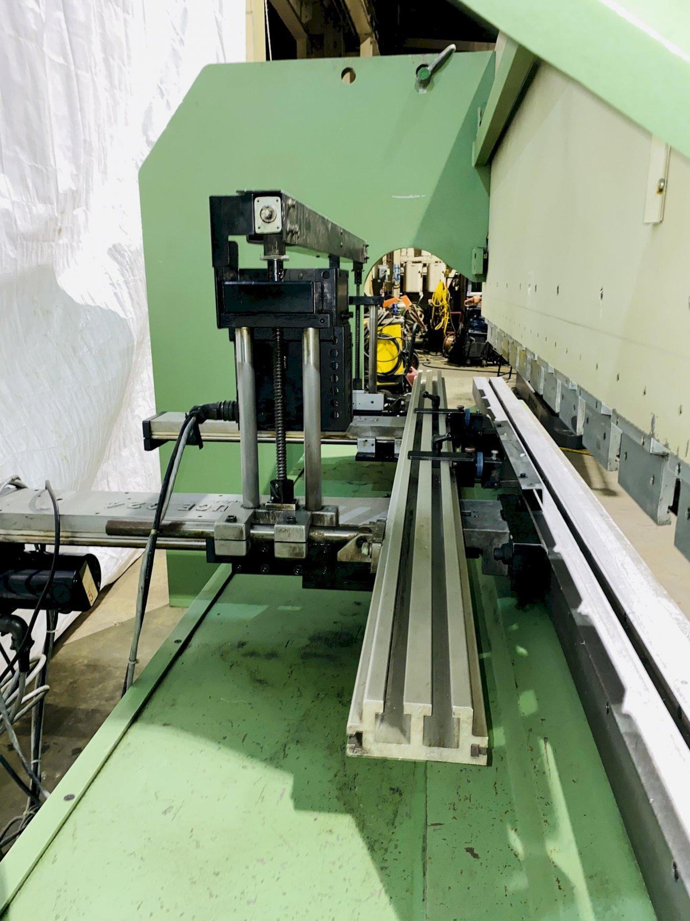 110 TON X 10' GUIFIL PE30-100 UP-ACTING HYDRAULIC PRESS BRAKE. STOCK # 1265620
