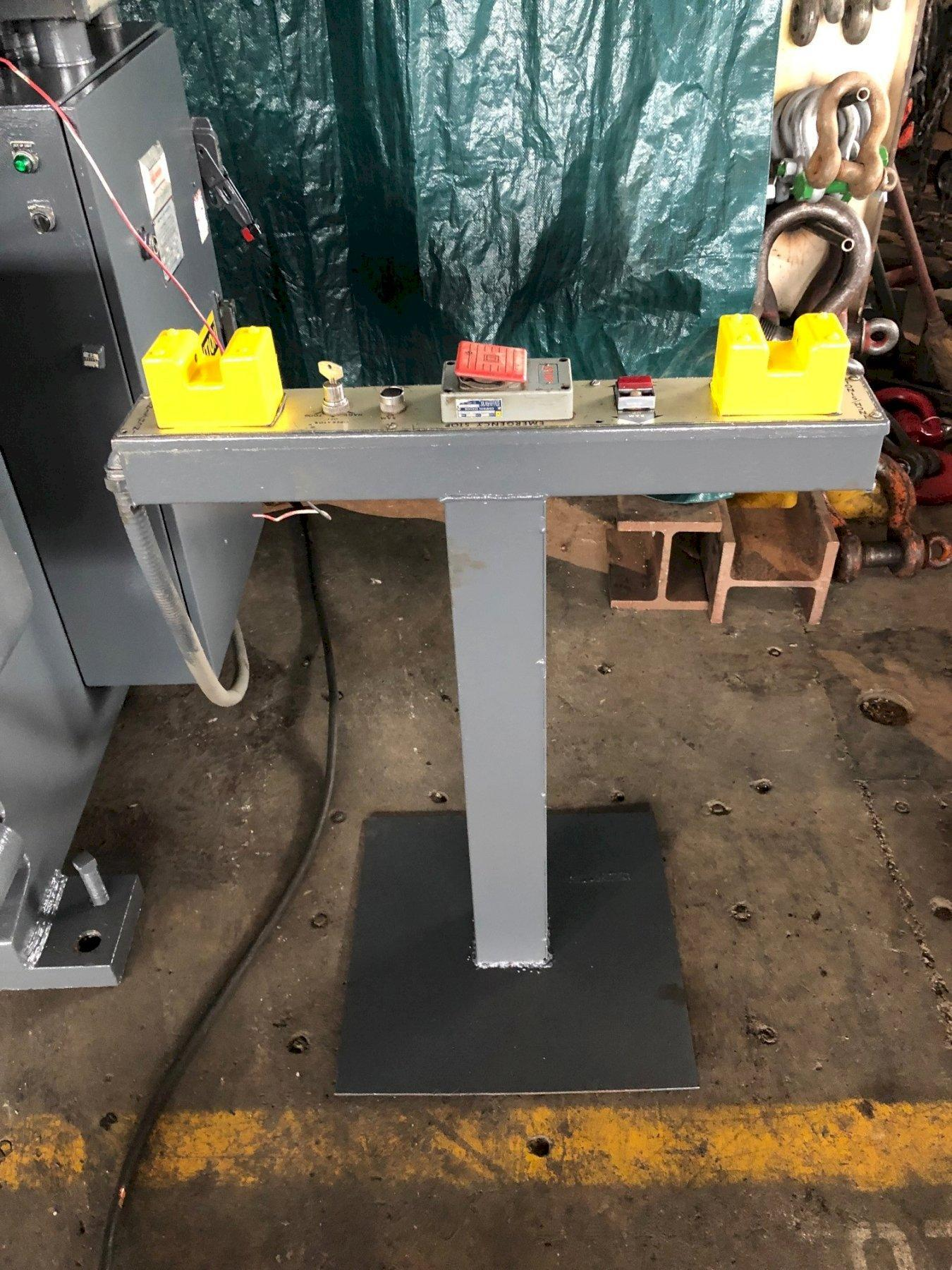 175 Ton x 12' Cincinnati Model CBII Hydraulic Press Brake