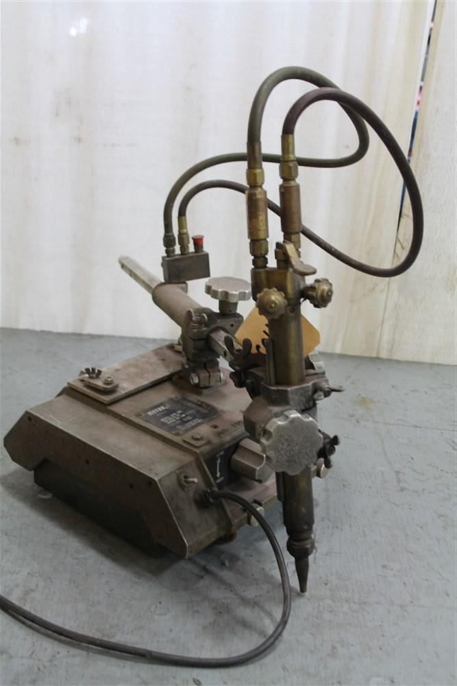 72' VICTOR MODEL #VCM200 PORTABLE FLAME CUTTER: STOCK #61074