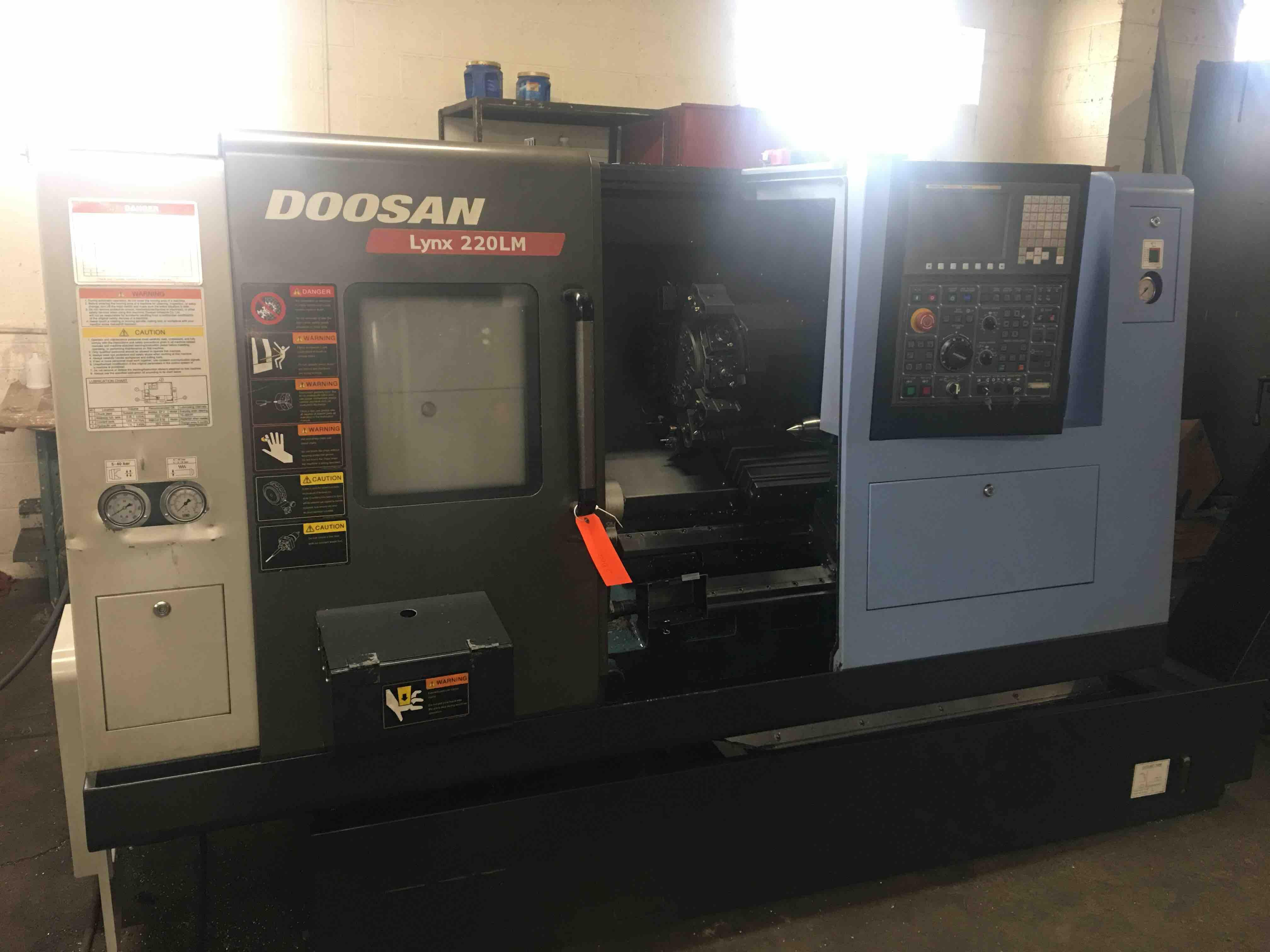 DOOSAN LYNX 220 LMA - Lathes, CNC | Machine Hub