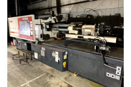 Milacron Used Injection Molding Machine, 450 US ton, Yr. 2001, 18 oz.