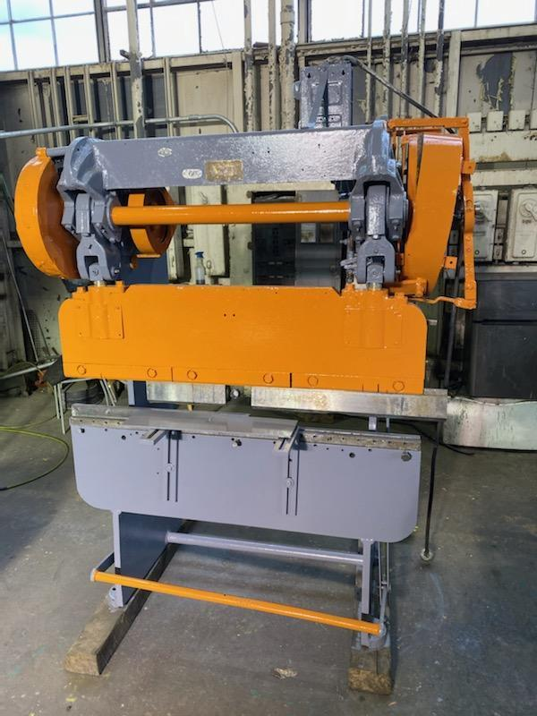 Verson 25 ton x 4' Mechanical press brake.