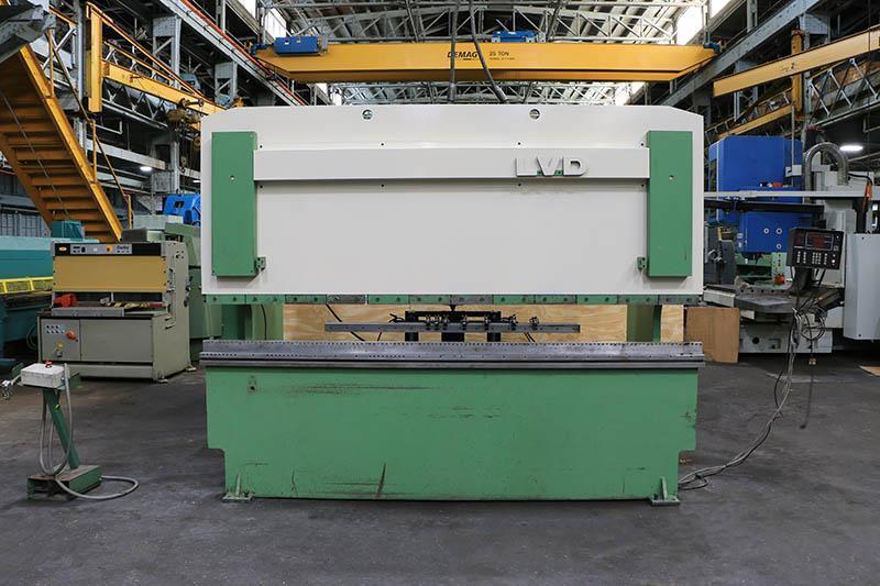 150 TON x 10' LVD MODEL 150JS10 HYDRAULIC PRESS BRAKE