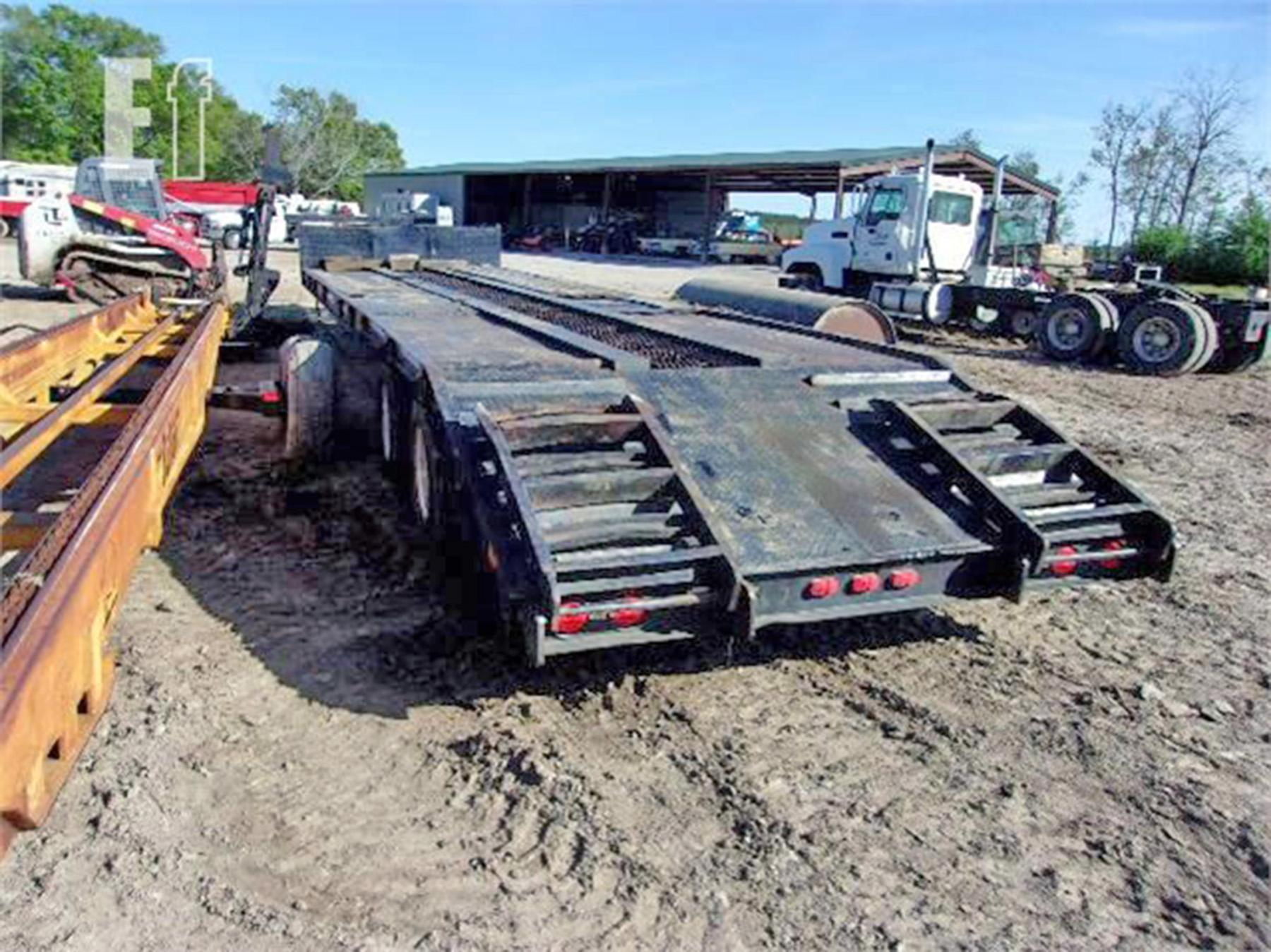 USED, 2018 HM LOWBOY TRAILER DOVETAIL WITH TITLE