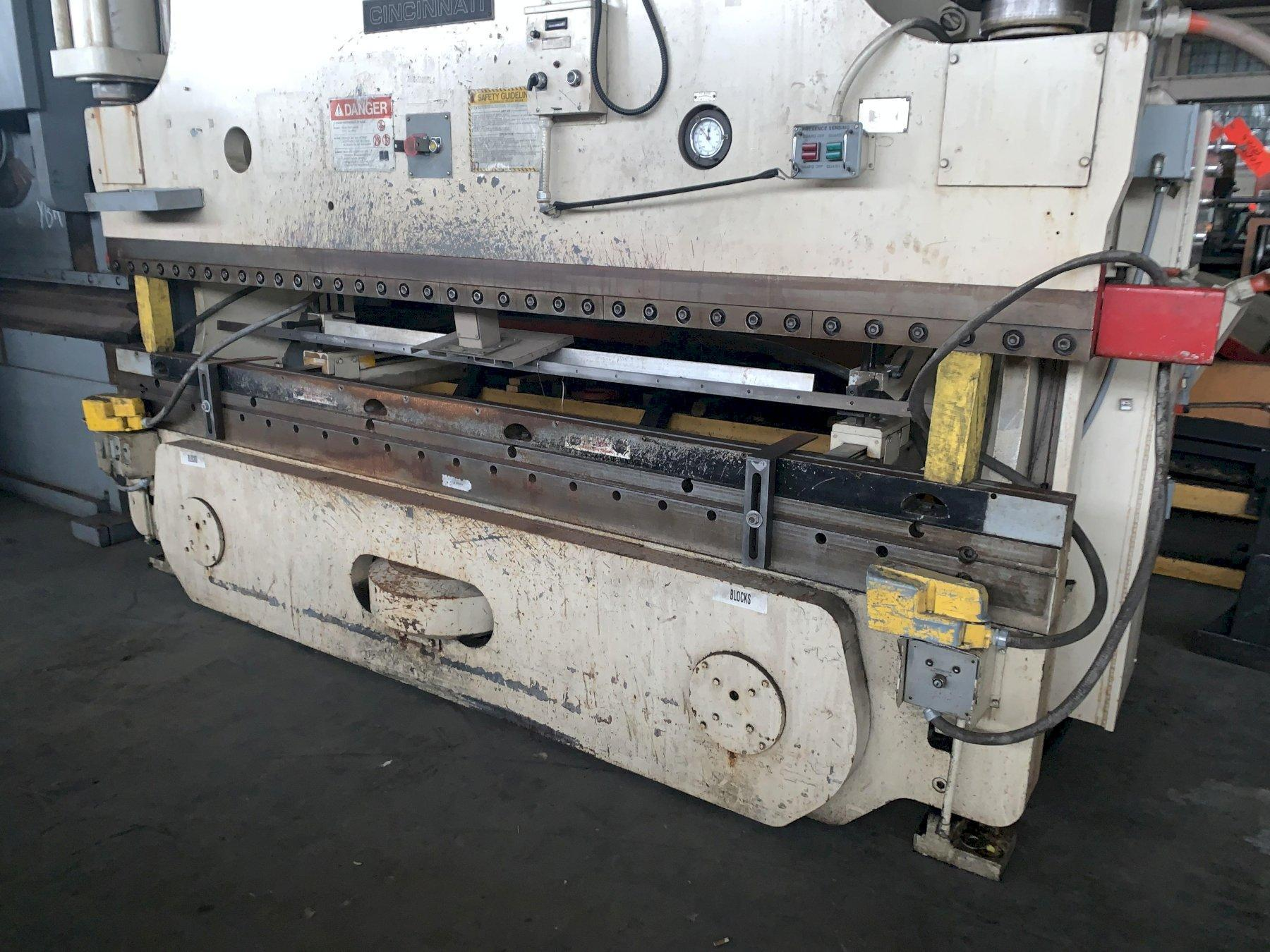 175 TON X 12' CINCINNATI AS175-10 AUTOSHAPE HYDRAULIC PRESS BRAKE. STOCK # 1018919
