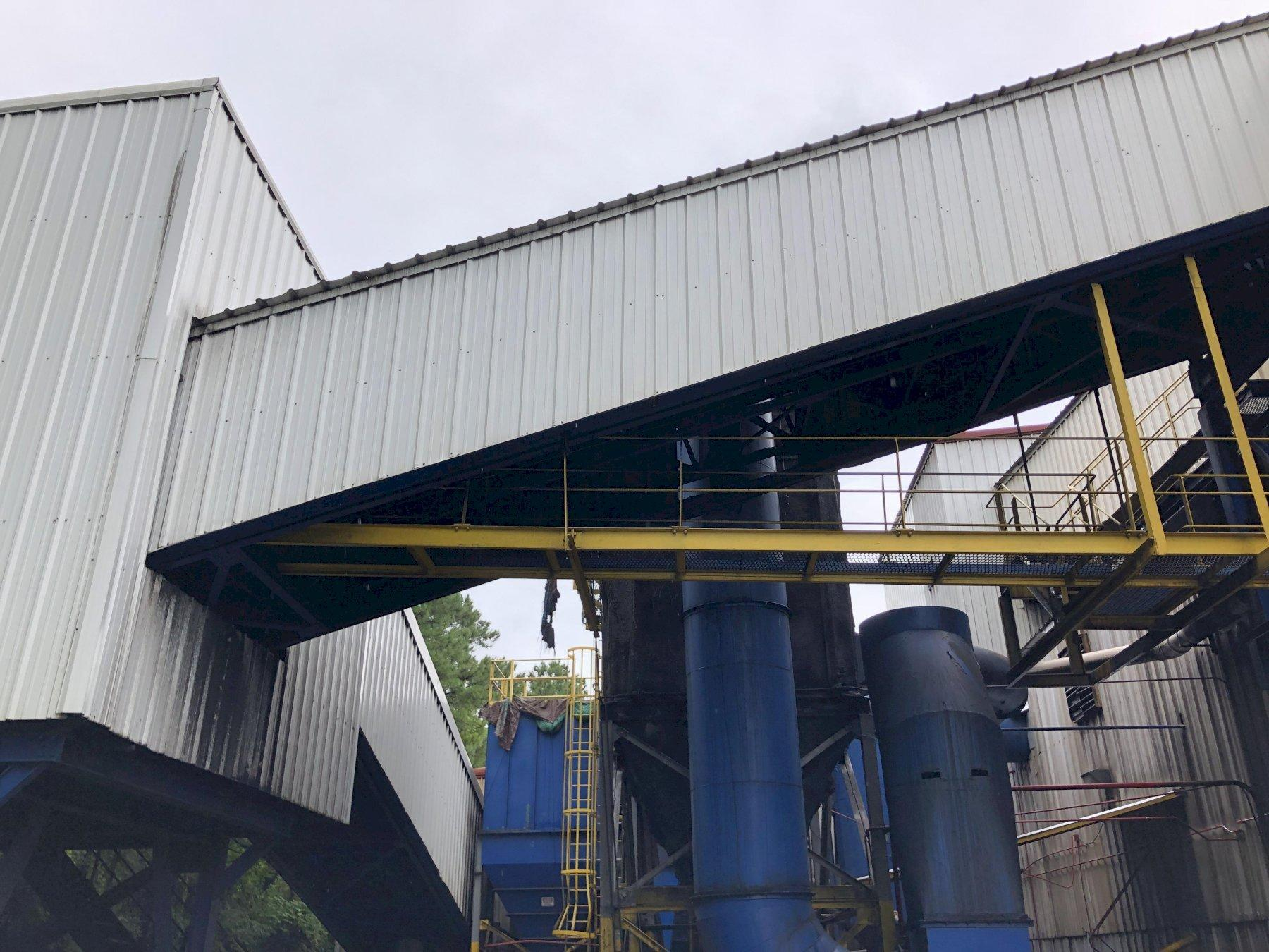 """2013 MACO 36"""" X APPROX. 60' 16 DEGREE INCLINE BELT CONVEYOR WITH 10HP DRIVE AND ENCLOSURE"""