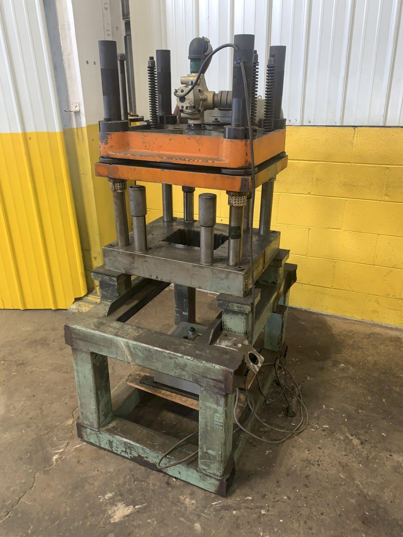 12 TON AIRAM 4-POST CUTOFF PRESS: STOCK #13726